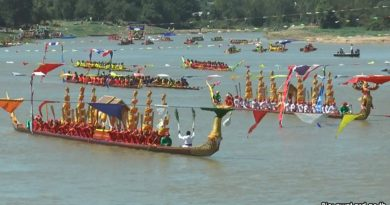 buriram-barge-procession