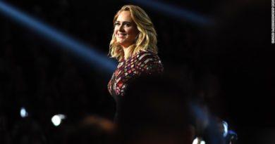 Adele performing at Grammys 2017