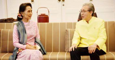 Deputy Prime Minister Somkid Jatusripitak and State Counsellor Aung San Suu Kyi