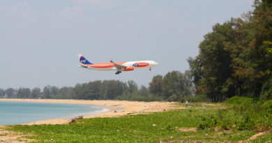 Plane getting close to Phuket airport