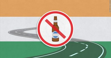 India bans liquor sales near highways