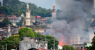 Philippine troops battling to recapture Marawi (2)