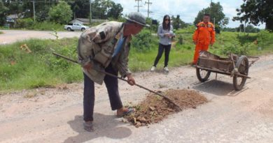 Free road repairs Korat