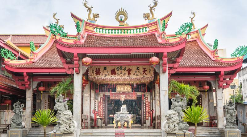Phuket Chinese shrine