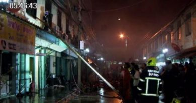 Fire guts old shophouses