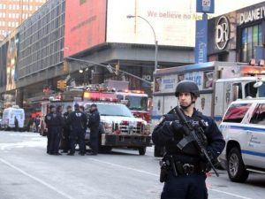 Security after bombing in New York (1)