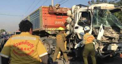 trucks pileup