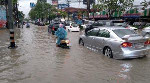 Floods Soi Lasalle