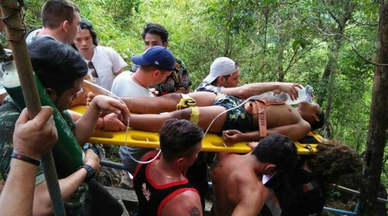 Krabi tourists save teenager's life