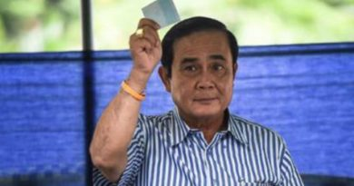 Prime Minister Prayut voting