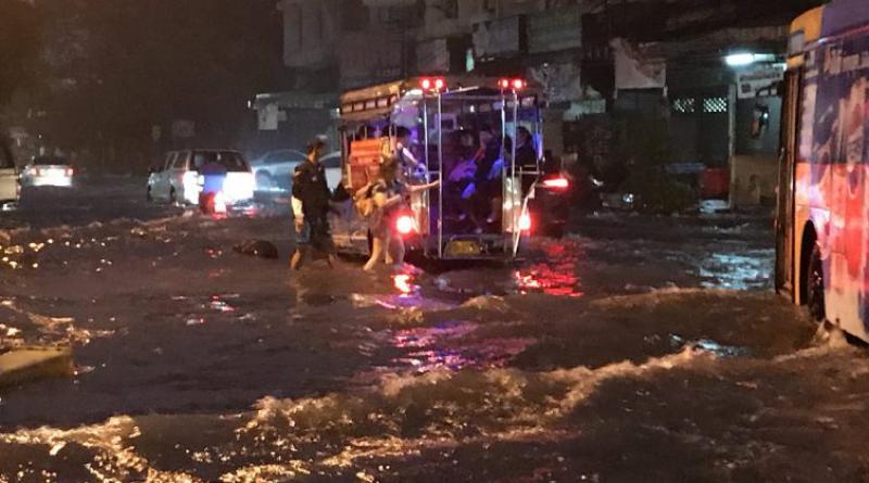 Soi Samakee flooding