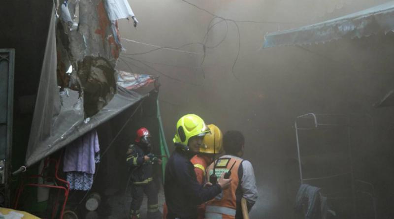 Fire guts Klong Toey shophouses