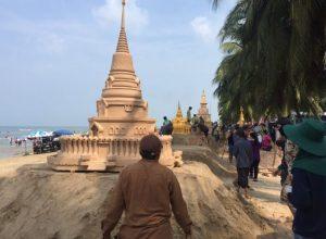 Bang Saen beach Wan Lai festival sand sculptures entering competition