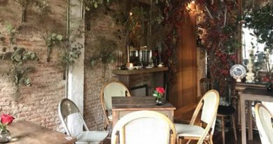 Floral cafe Pak Klong Talad