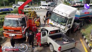 Oil tanker hits vehicles in Korat