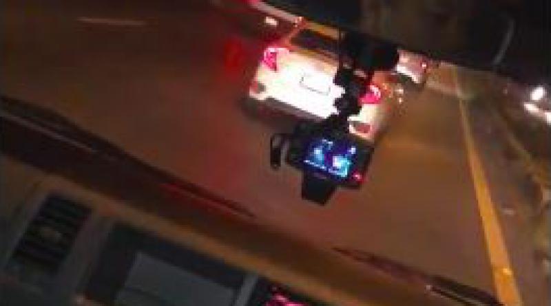 Selfish driver blocks ambulance