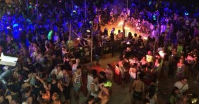 Tight security Full Moon Party (2)
