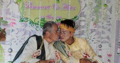 2 guys get married to each other