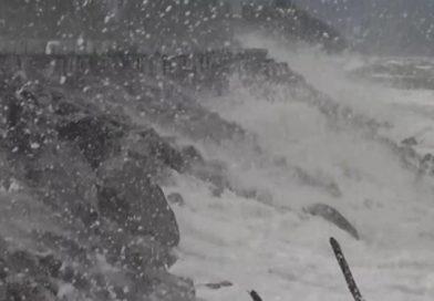 4-meter high waves slam Andaman coast