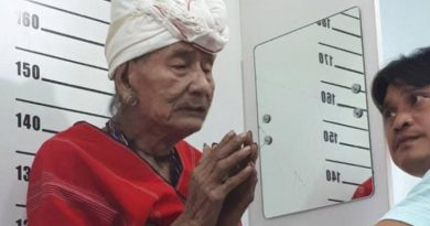 Karen man gets Thai ID card at 107