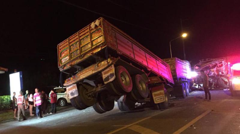 trailer trucks collide