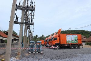 Fixing power cables on Koh Samui