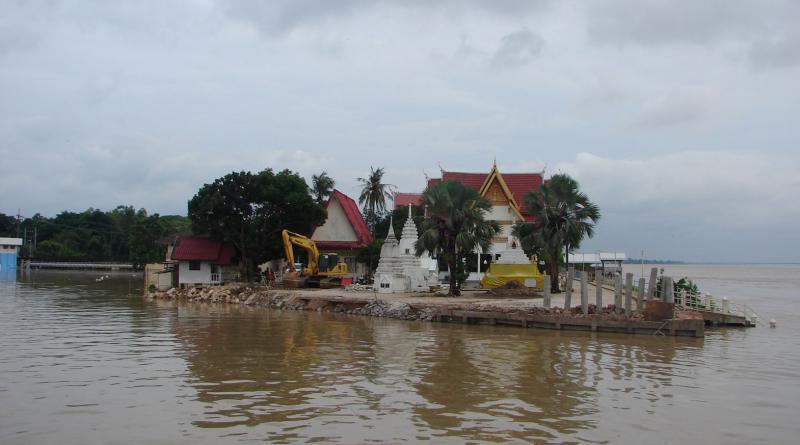Mekong river overflows, Mukdahan