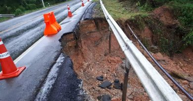 Phang Nga-Surat Thani highway damaged