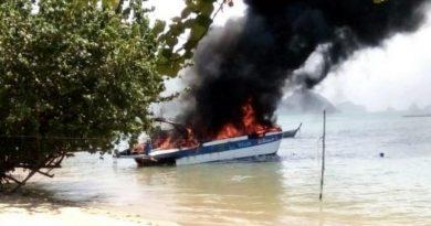 tourist boat ablaze Phang Nga