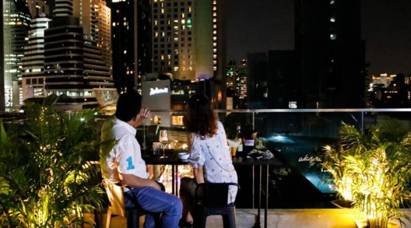 Rise Rooftop Bar Sukhumvit soi 20