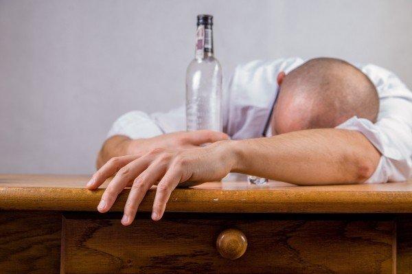 alcohol-hangover-event-death-drunk-alcoholic-fun