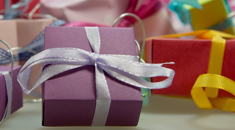 colorful-gifts