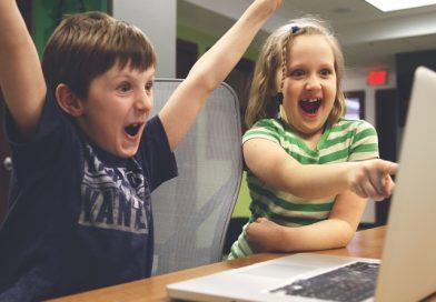 3 online addiction symptoms found in children.