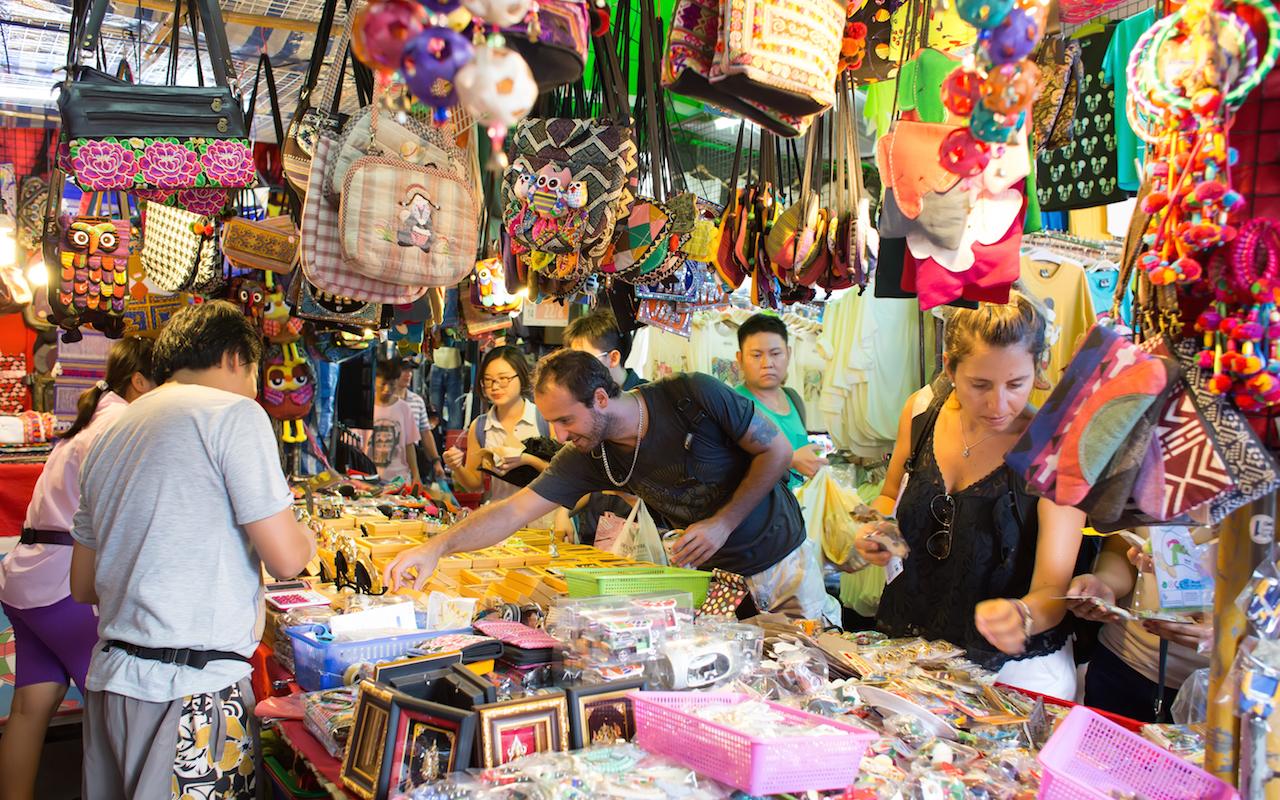 1.ตลาดนัดจตุจักร