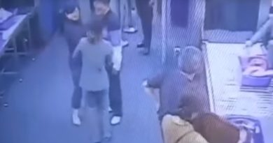 Tourist assaulted Suvarnabhumi