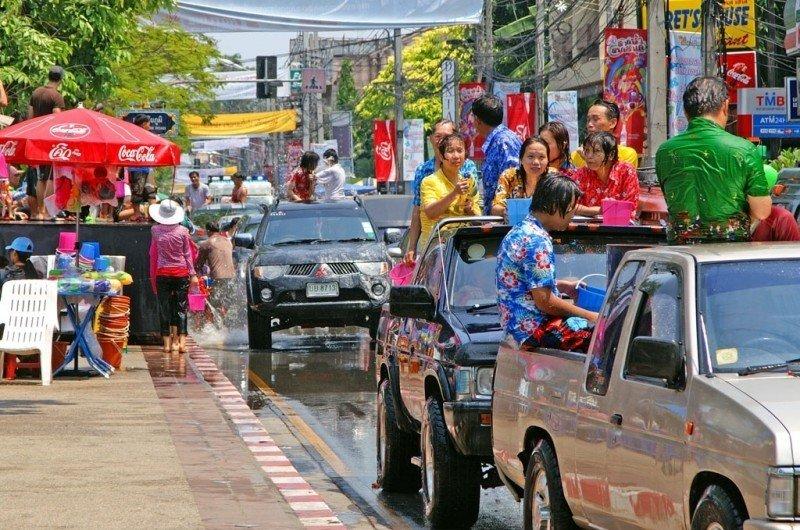 songkran-festival-2009-in-chiang-mai-thailand