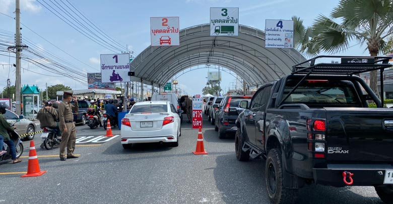 Pattaya irons out the wrinkles at checkpoints   News by Thaiger